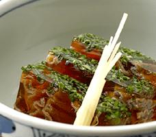受け継がれた伝統の調理法で、バラエティ豊かなあんこう料理をお楽しみください。